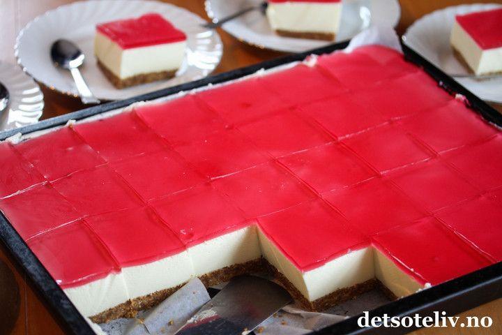 Ostekake med gelélokk i langpanne | Det søte liv