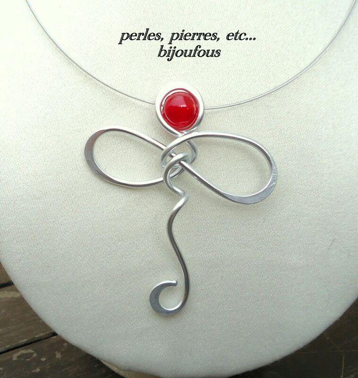 """Collier """" elfe """" perle en verre fil d' aluminium......."""