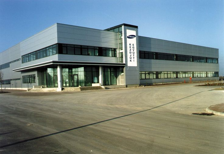 The architectural systems with which Alumil supplied the main building of Samsung in Hungary are the Hinged system M11000 and the Curtain Wall systems M6 and M2. Moreover the building of Samsung is coated with J-Bond. For further information visit our website www.alumil.com