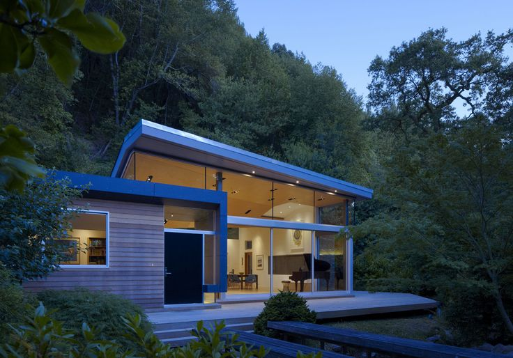 The folded roof splits to bring clearstory light from the east, while creating intimate interior spaces. Ross Residence   GRIFFIN ENRIGHT ARCHITECTS