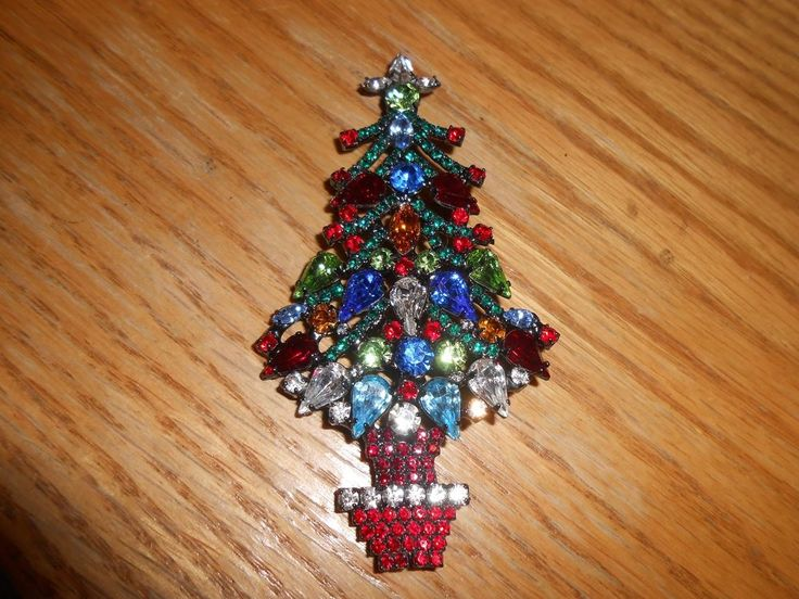 RR Down Swoop Branch & Multi Pear & Pot Swarovski Crystal Christmas Tree Pin Signed. | eBay!