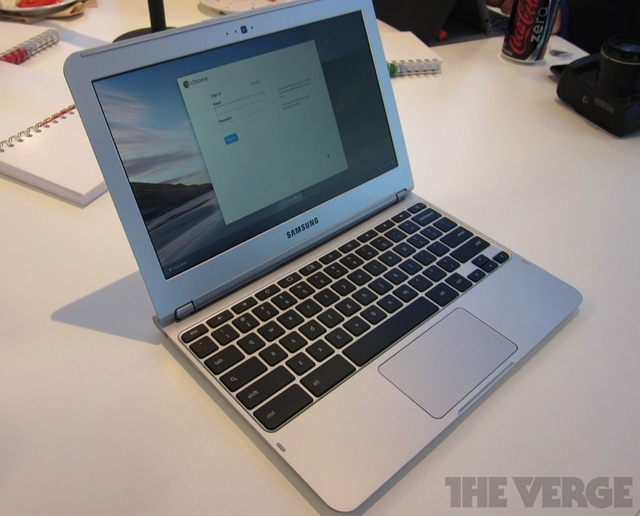 New Samsung Chromebook -- that looks a lot like the MacBook Air. Hmmmm.