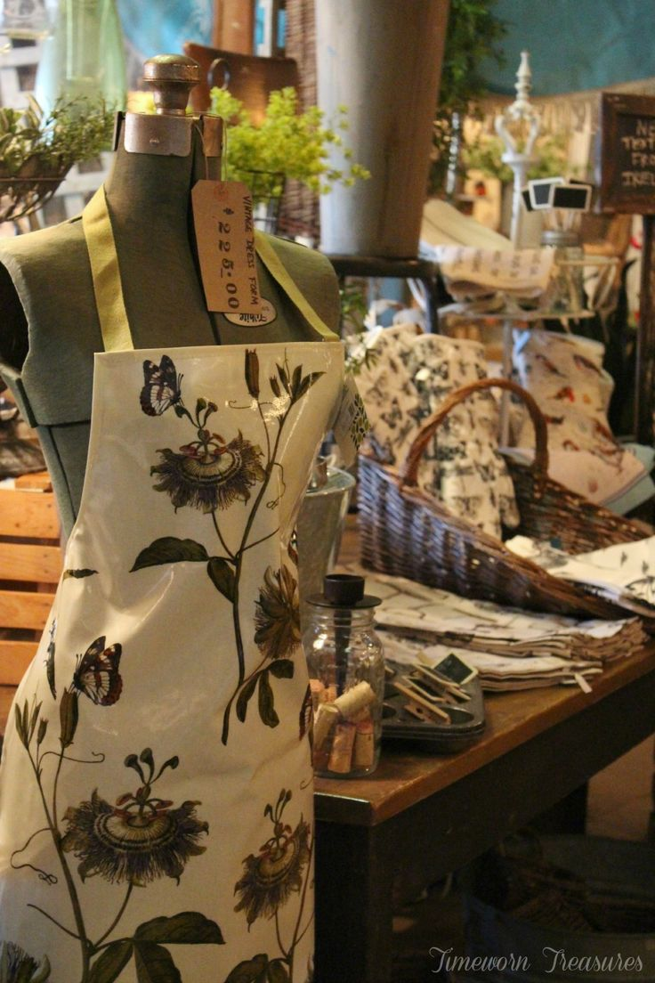 Ogilvies designs christmas aprons gloves amp tea towels - Passion Flower Pvc Apron Botanical Style Passion Flowers Adapted From The Original Royal Horticultural Society