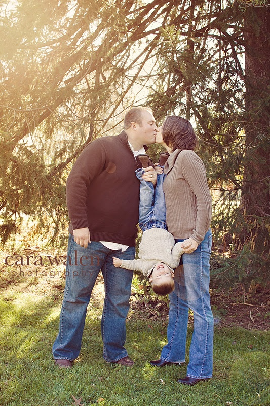"""Another example of """"the"""" family pose of the moment done right.   #Cara Walen Photography"""