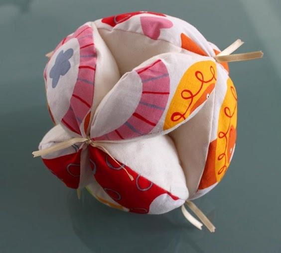 Cómo hacer la pelota Montessori Crea momentos.                                                                                                                                                                                 Más