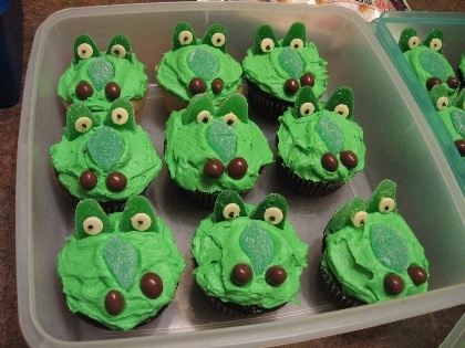 Croc cupcakes from a standard cupcake recipe...no link for recipe...just a picture on what they look like...CUTE!!