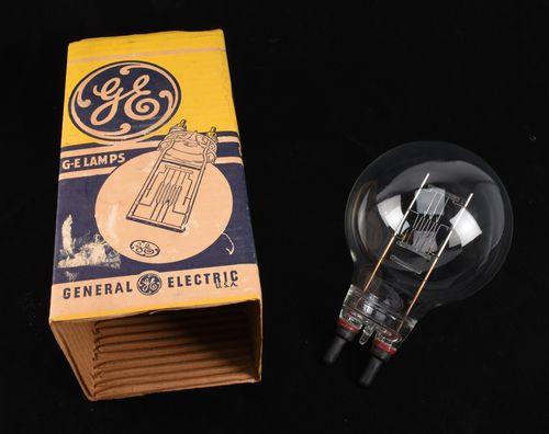 Rare Spotlight Bulb GE 1000W 120V Mogul Bi-Post G48 3200K for Mole 1K NOS