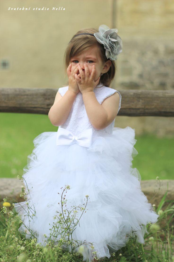 Dětské bílé šaty na svatbu - dětské šaty pro družičky - Půjčovna šatů- Svatební studio Nella- Česká Lípa