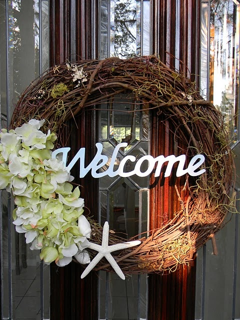 Welcome Wreath -- courtesy of Life with 50 toes: A happy front