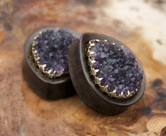 This specific sale is for a pair of Ebony teardrops with amethyst druzy inlays. The sizing and the wood used can be selected from the drop down
