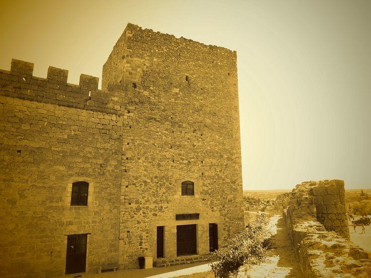 Castillo. Ronda y Torre de Homenaje.