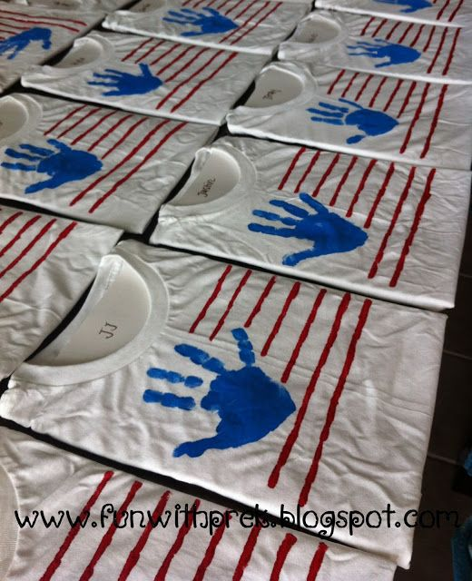 4th of July Arts and Crafts with the kids!! Fun handprint t-shirt to wear to the parade!