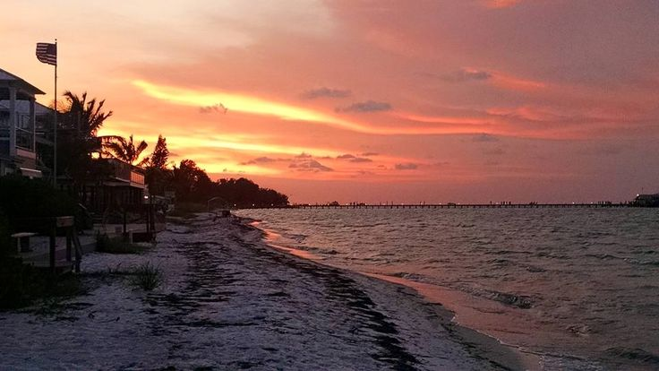 Misty,‎ shared this from her summer 2015 vacation. Thanks Misty  #AnnaMariaIsland #RodAndReelPier #vacationFlorida https://www.facebook.com/photo.php?fbid=1181438228548354&set=o.1473576419532493&type=1&theater
