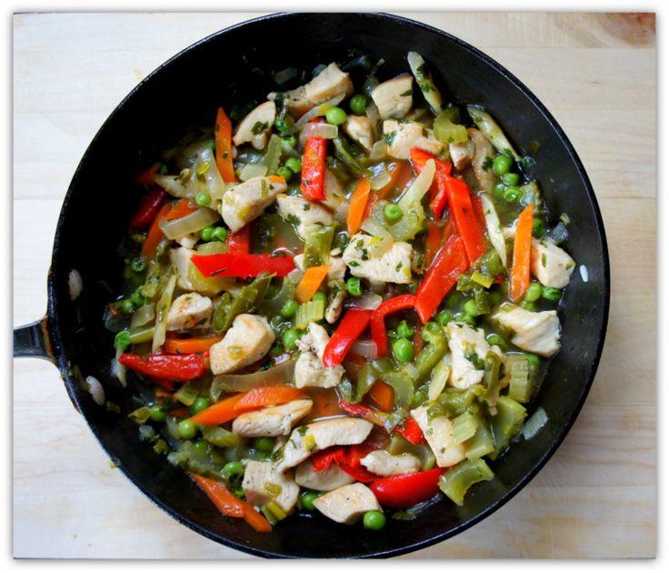 Jusia gotuje - szybkie, proste i smaczne przepisy dla całej rodziny.: Pierś z kurczaka z warzywami.