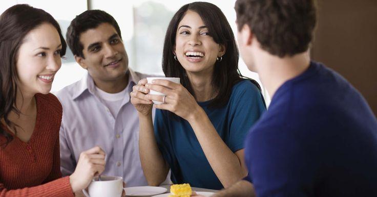 5 métodos de caracterización. Existen dos tipos de caracterización: directa e indirecta. La caracterización directa le informa explícitamente al lector cuáles son las cualidades del personaje, mientras que la indirecta utiliza cinco métodos diferentes que combinan distintos elementos para revelar la personalidad. Para recordar los cinco elementos, simplemente recuerda el ...