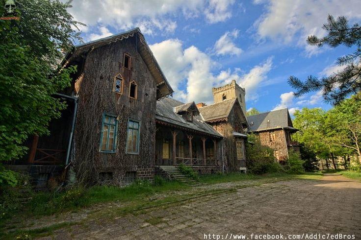Opuszczony pałac myśliwski w Mojej Woli, w Nadleśnictwie Antonin - Poznaj Polskę