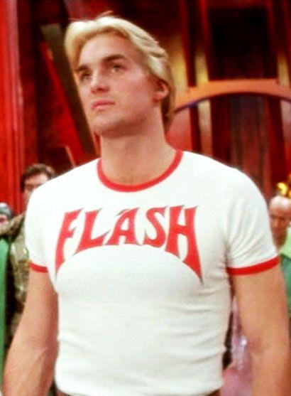 sam jones - flash gordon...la mejor camiseta El mejor, más inocente y menos acomplejado héroe de ciencia ficción. Y ni hablar de la banda sonora. ;)