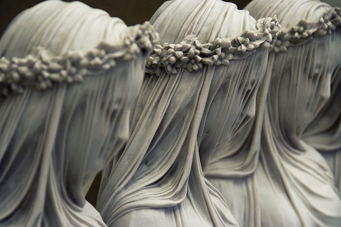 Рафаэль Монти «Мраморная вуаль». Все элементы скульптуры выполнены из камня