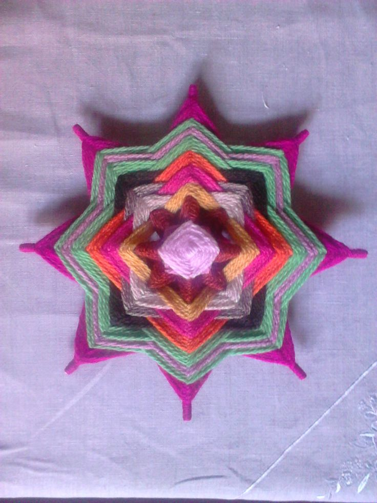 mandala tejido con lana (28 cmtr.)