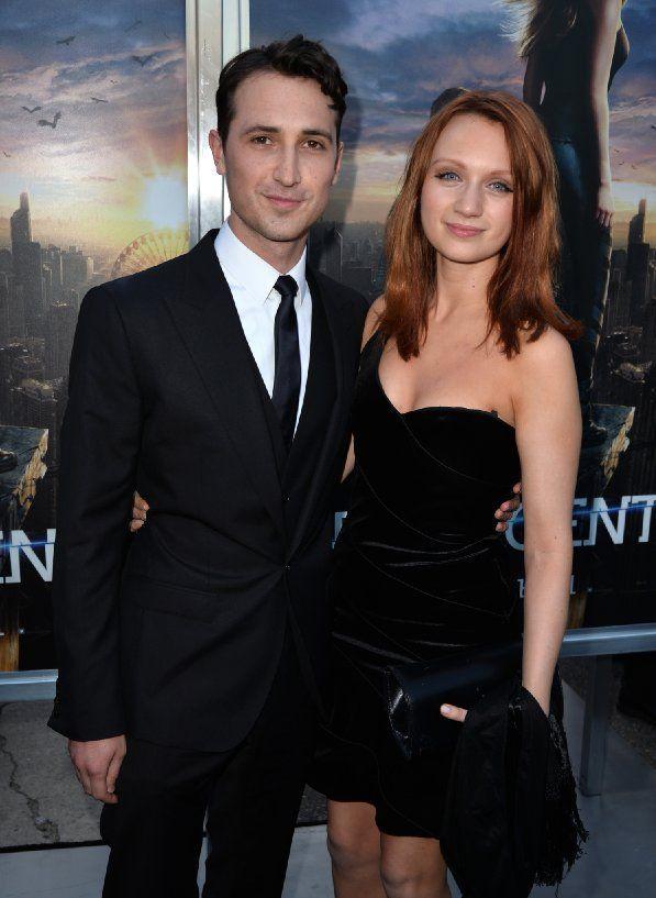Ben Lloyd-Hughes and Emily Berrington at event of Divergent (2014)
