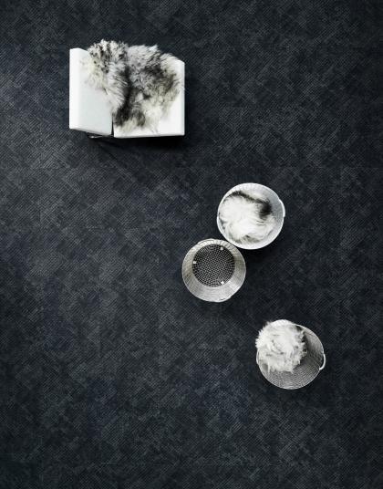 Šedý designový koberec, zátěžová podlaha, BOCA Group. / Gray design carpet, contract floor.