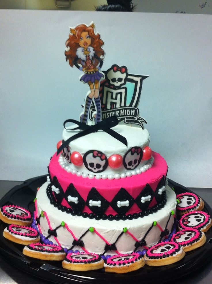 Monster High cake Clawdeen made by Texas Pie Company
