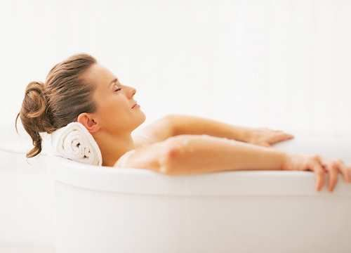 Moda: Un #bagno #caldo? Fa bene come fare sport (link: http://ift.tt/2orc1Cf )