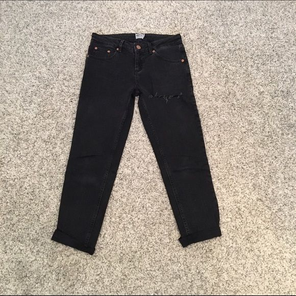ASOS black boyfriend jeans ASOS black boyfriend cut jeans. Large slit across right upper thigh. Straight leg. Wore them once then got a different size. ASOS Jeans Boyfriend
