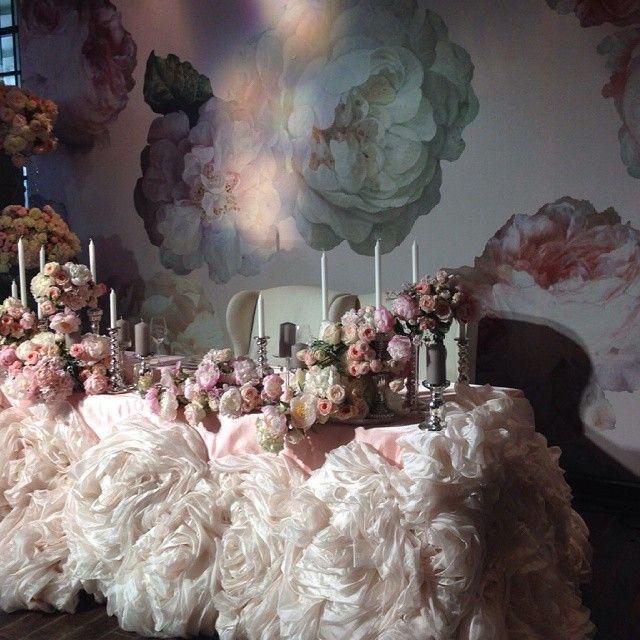 892 отметок «Нравится», 39 комментариев — Lidiya Simonova (@lidseventhouse) в Instagram: «Сегодня - очень романтичная свадьба для молодой чудесной пары Организаторы @caramelwedding…»