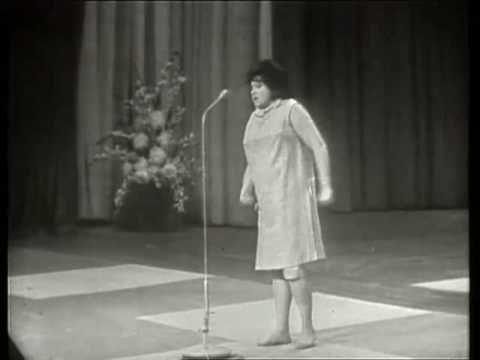 Peter Alexander - Salzburger Nockerln (1) 1961 - YouTube