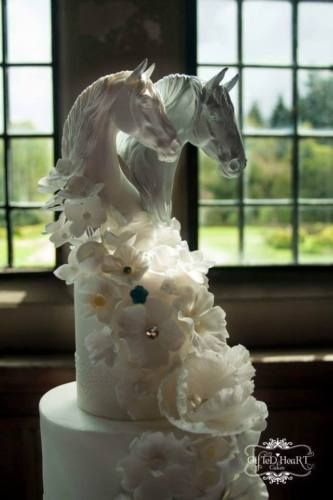 GORGEOUS-Cake-Toppers-Horses-Equestrian-Bride-Groom-Wedding-Head-Resin-Romantic