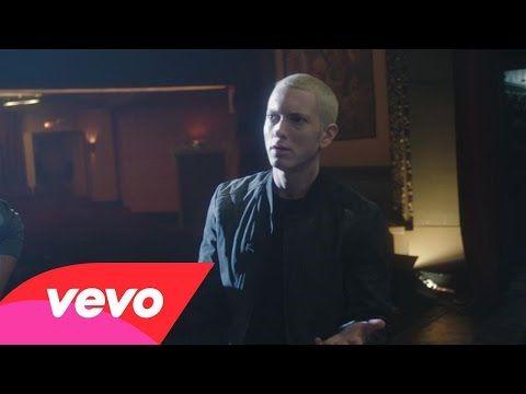 """Eminem divulga vídeo dos bastidores do clipe de """"Phenomenal"""" #Brasil, #Clipe, #Filme, #Rapper, #Vídeo http://popzone.tv/2015/10/eminem-divulga-video-dos-bastidores-do-clipe-de-phenomenal/"""