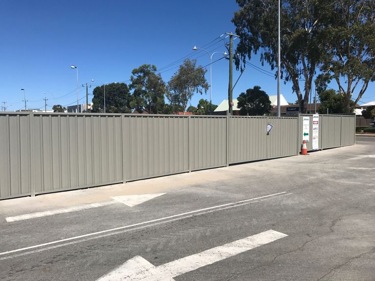 Commercial fencing Perth 2017 - Colorbond installed by our team to fence off construction site.