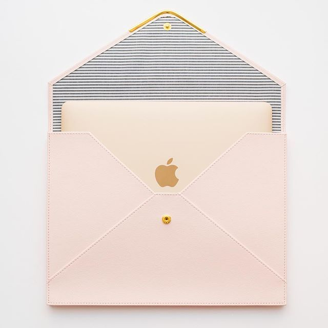 Turns out our new document holder also fits an 11 inch MacBook. Available now on Target.com, and setting this week in Target stores nationwide. #sugarpaperfortarget
