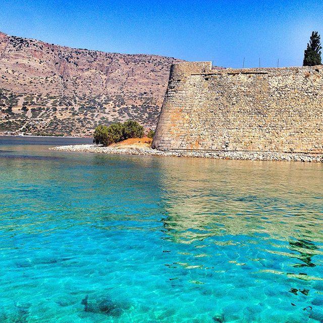 Visit #Spinalonga island, just a few hour from #Elounda! Photo credits: @tipadipa