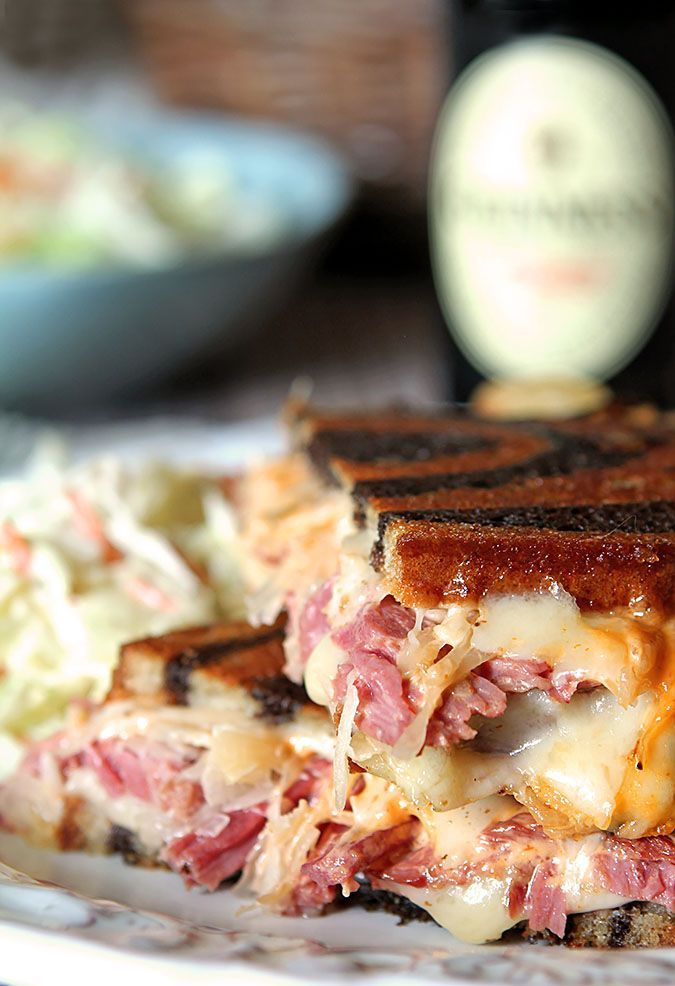 Homemade Reuben Sandwiches with Pressure Cooker Corned Beef | http://www.creative-culinary.com/homemade-reuben-sandwiches/
