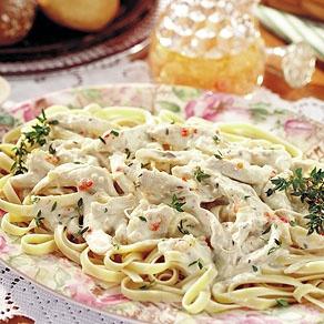 slow-cooker chicken alfredo // verdict: delish! took longer than 10 ...