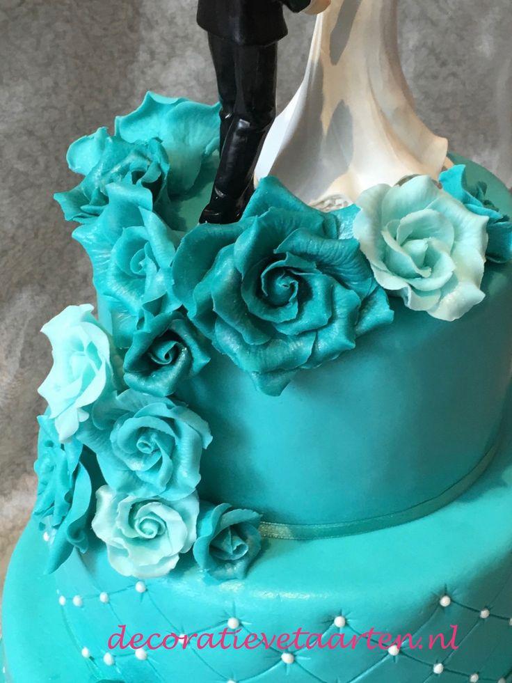 Bruidstaart 'Turquoise rozen en kant' - detail 1
