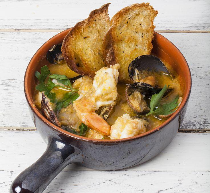 La Cucina Italiana Zuppa di pesce tradizionale