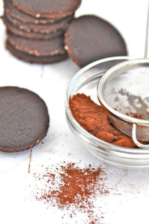 from my blog: Miss Daily Mood: Cocoa Hazelnut Sandwich Cookies ...