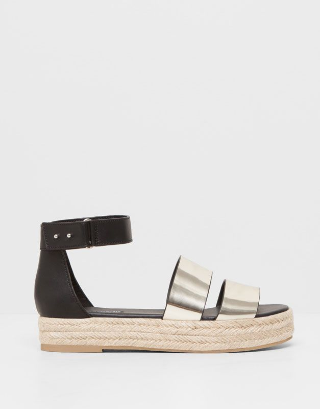 :SANDALIA YUTE METALIZADA 25.95 pull and bear