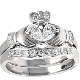 diamond claddagh engagement ring set my favorite engagement ring ive ever seen - Claddagh Wedding Ring Sets