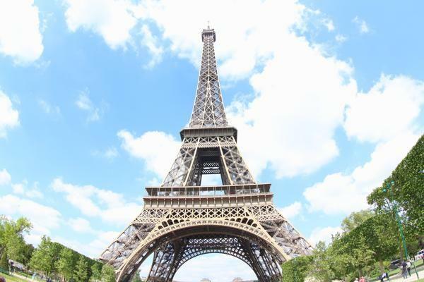 Menara Eiffel Paris, Tempat Paling Romantis di Dunia?