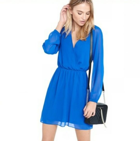 Shop Women's Express Blue size M Midi at a discounted price at Poshmark. Description: In perfect condition like new royal blue long sleeve dress with a hook closure by the chest. Sold by chupchick. Fast delivery, full service customer support.