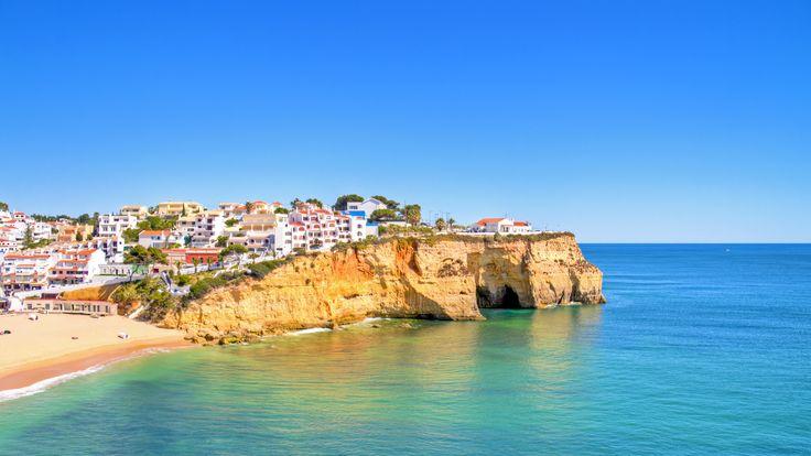 #portugal #algarve #soleil #vacances  Optez pour le soleil pendant 8 jours en villa 5* ! Séjournez dans l'Algarve au Portugal avec vols aller-retour de Paris Beauvais et Bruxelles Charleroi ! Maintenant avec paiement ultra favorable !  http://travelbird.fr/25821/vale-da-lapa-resort/