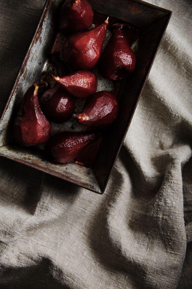 Punaviinipäärynät ja -siirappi