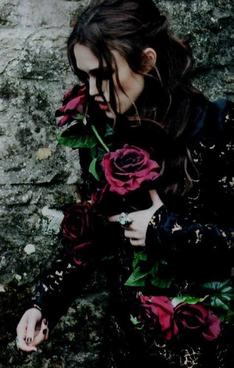 romantic goth, red roses, lace,