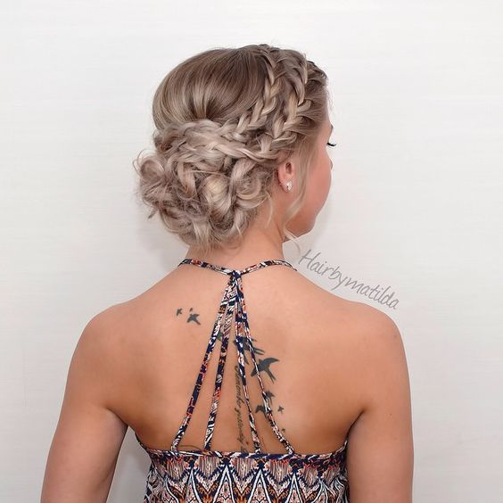 braided wedding updo hairstyles / http://www.himisspuff.com/beautiful-wedding-updo-hairstyles/18/