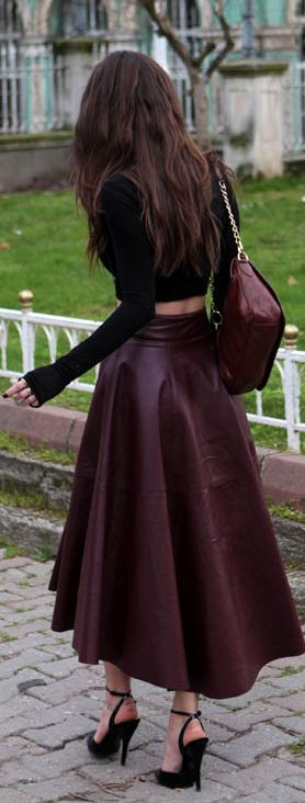 Street fashion burgundy leather skirt. (vampy, love this)