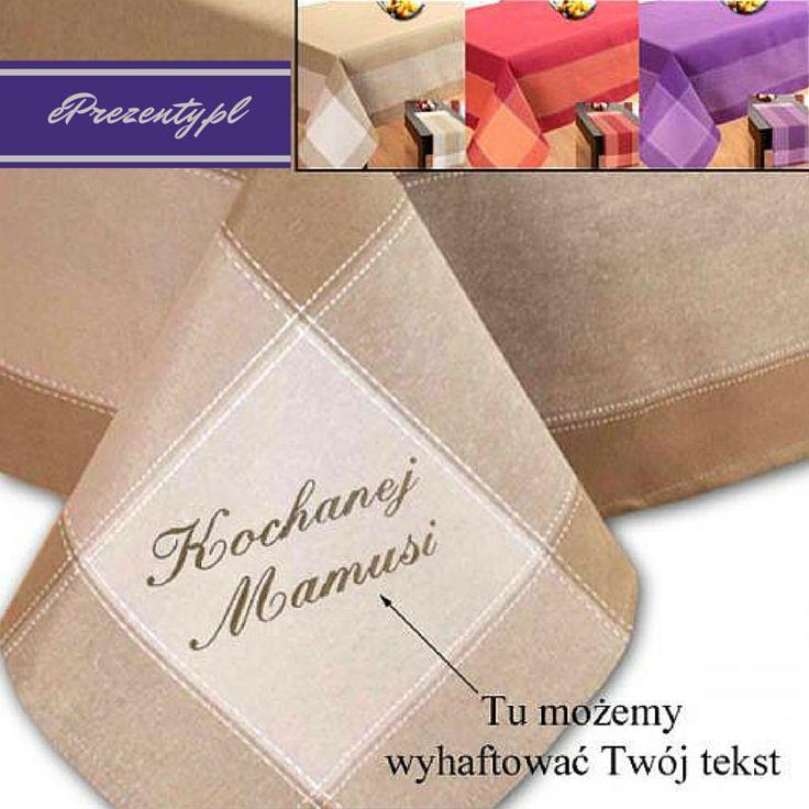 Obrus i bieżnik w zestawie z indywidualnym haftem stanowią praktyczny i elegancki prezent na rozmaite okazje dla każdej Pani domu! Polecamy